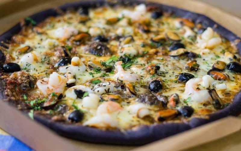 чорна піца доставка